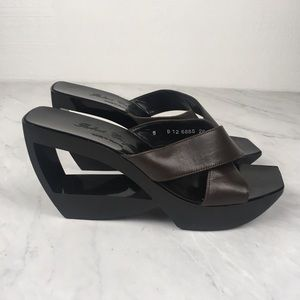 Robert Clergerie Brown/Black Cutout Wedge Sandals
